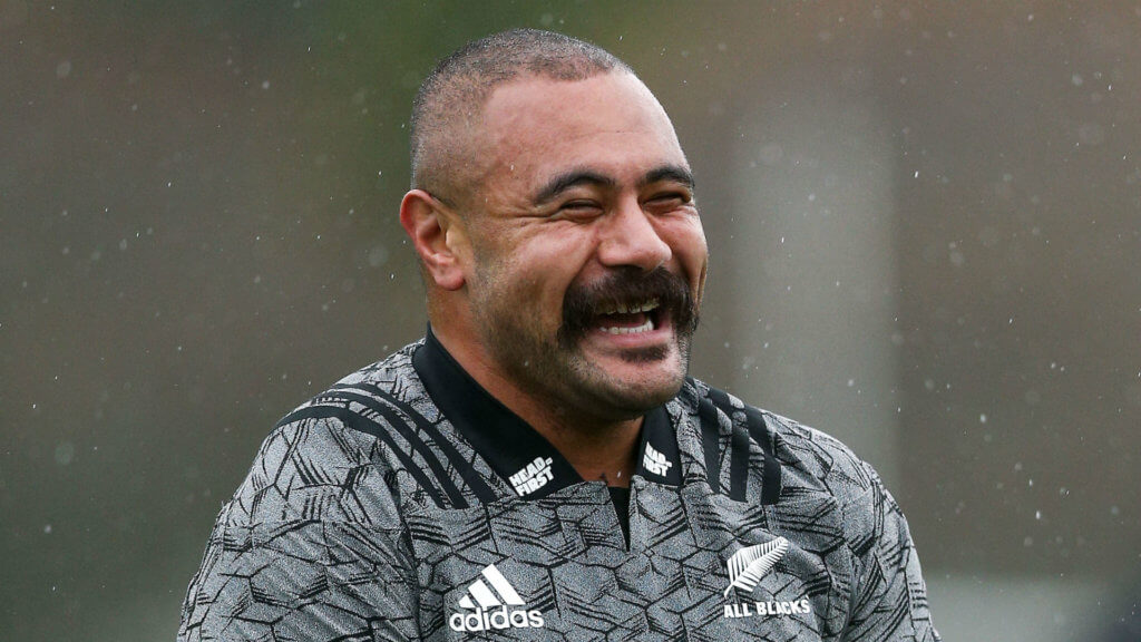 All Black prop Tu'inukuafe leaves Chiefs for Blues