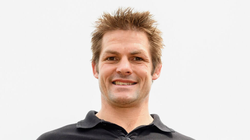 Crusaders icon McCaw offered Robertson advice ahead of Super Rugby semi