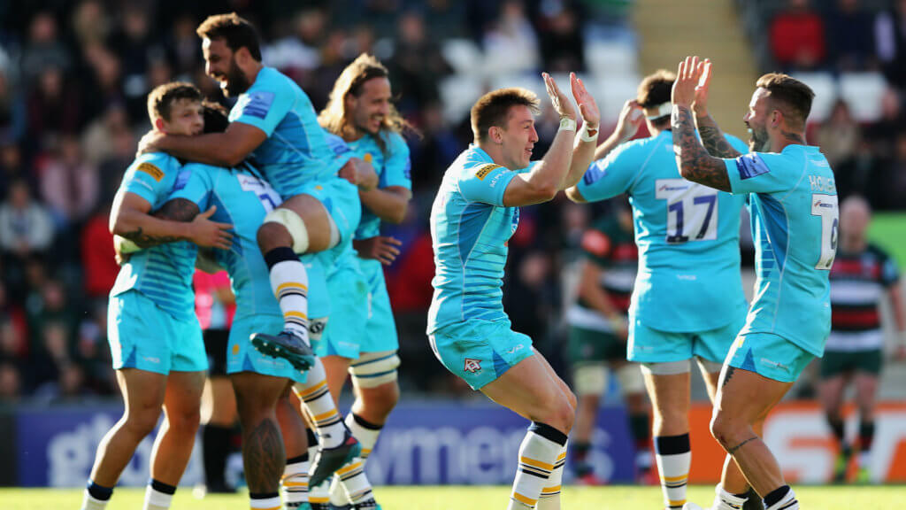 Worcester fend off prowling Tigers, Sarries go top