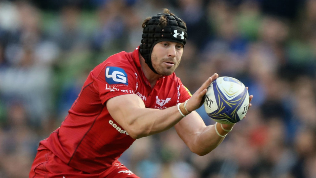 Halfpenny helps Scarlets beat Munster as Glasgow go top