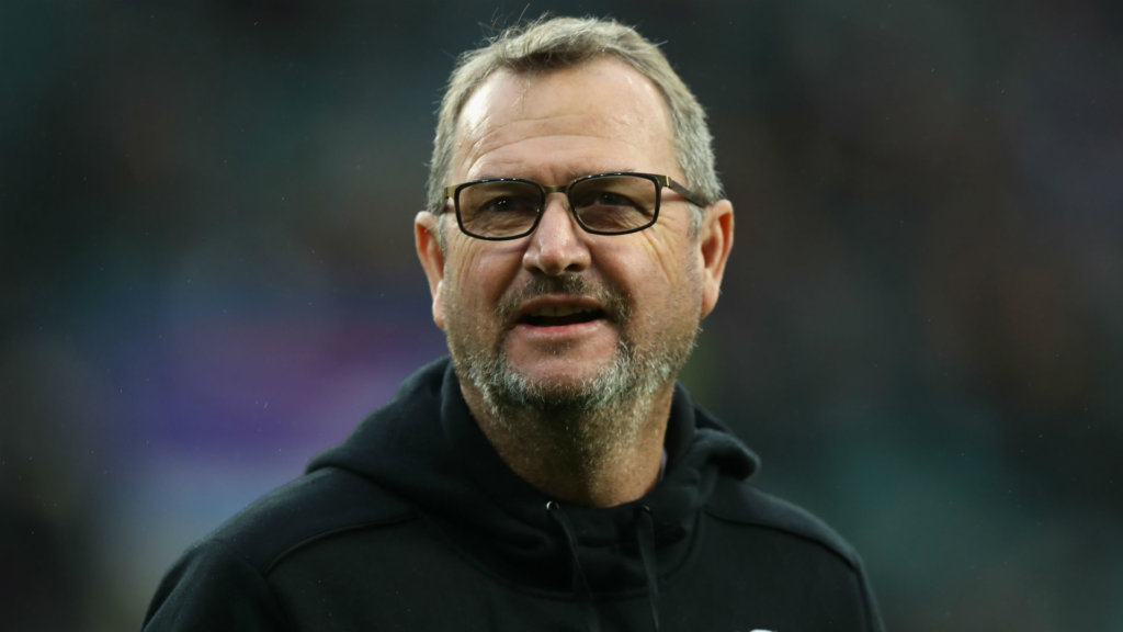 De Bruin signs new Lions deal