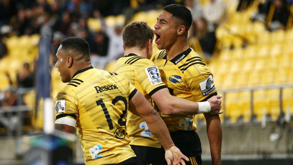 Hurricanes and Brumbies seal semi-final spots