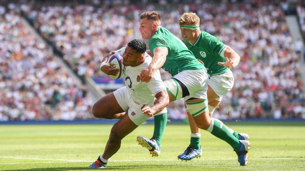 England 57-15 Ireland: Record win keeps Schmidt's men from top spot