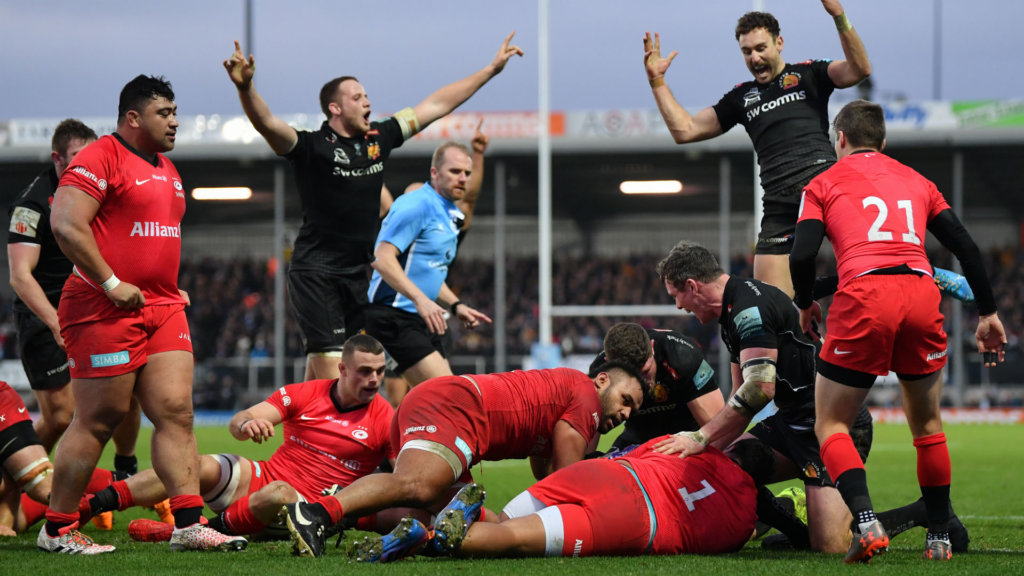 Chiefs regain top spot by downing Saracens in thriller