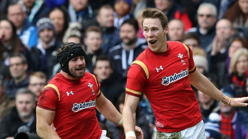 Scarlets aiming to keep Halfpenny despite Williams signing