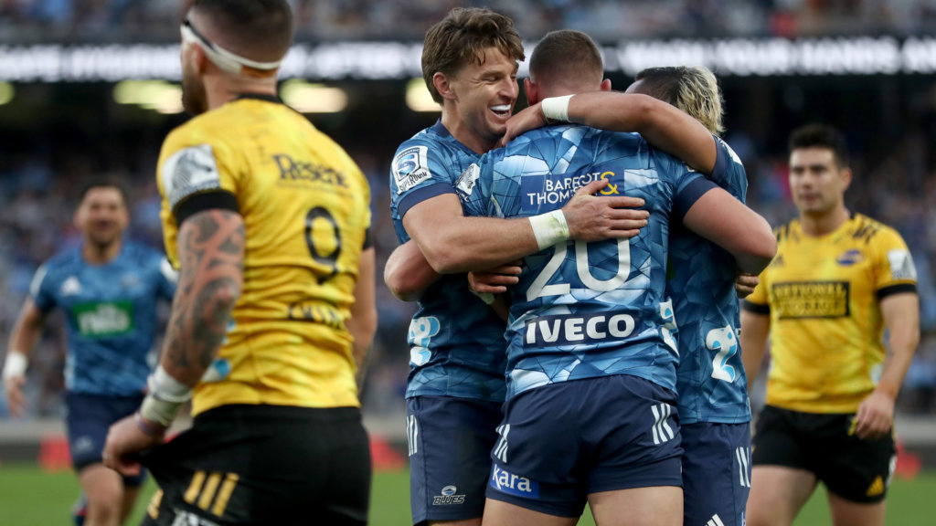 Blues 30-20 Hurricanes: Hosts power to win at Eden Park