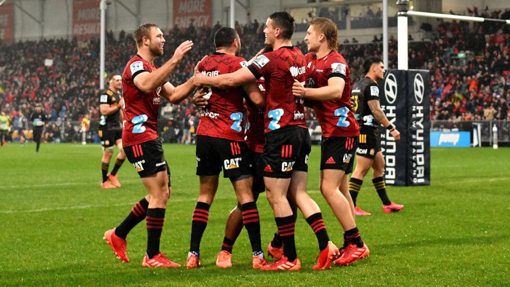 Crusaders hold off Chiefs in Christchurch