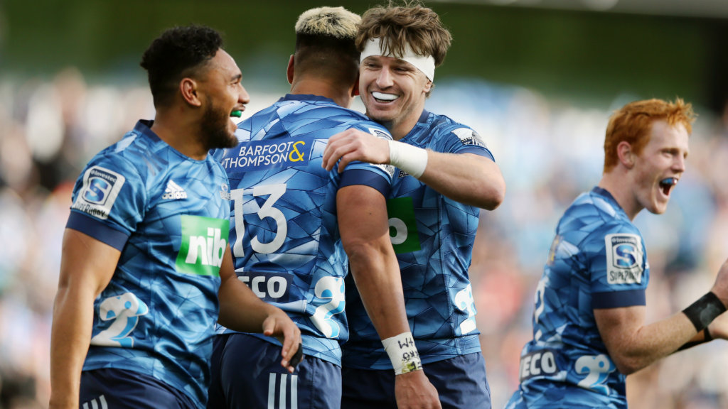 Barrett's Blues hold off Chiefs challenge in Super Rugby Aotearoa