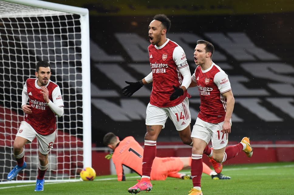 Aubameyang awesome for Arsenal, Liverpool awful again